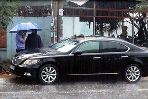 Người phụ nữ mất ô tô Lexus sau khi vào quán uống cafe
