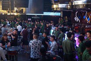 Công an đột kích vũ trường lớn nhất Đà Nẵng, 75 người dương tính ma túy
