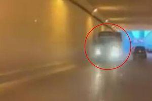 Tài xế xe tải liều lĩnh chạy ngược chiều trong hầm chui ở Hà Nội