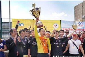 Sôi động giải bóng đá của thanh niên, sinh viên Việt Nam tại Séc