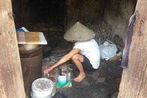 Nam Định: Nghẹn lòng cảnh cụ bà tuổi 80 đội nắng bắt cua nuôi con trai 2 lần thoát khỏi 'tử thần'