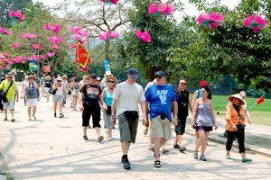 Hà Nội đón hơn 3,3 triệu khách du lịch quốc tế