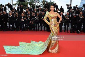 Thảm đỏ Cannes 2019 ngày 6: Dàn sao nữ cạnh tranh spotlight bằng loạt trang phục cắt xẻ táo bạo, ngập tràn màu sắc