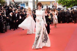 Không hở bạo như Ngọc Trinh, loạt mỹ nhân Việt vẫn nổi bật tại thảm đỏ LHP Cannes