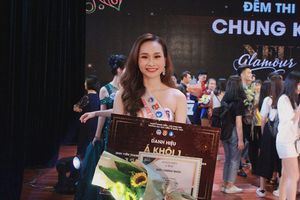 Nữ sinh người Nghệ An trở thành Á khôi của Đại học Kinh tế Quốc Dân