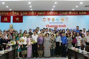 24 sinh viên Lào lần đầu tiên về sống với các gia đình Việt tại TP.Hồ Chí Minh