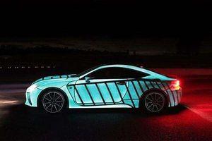 Xe biến đổi màu như tắc kè nhờ công nghệ sơn LumiLor