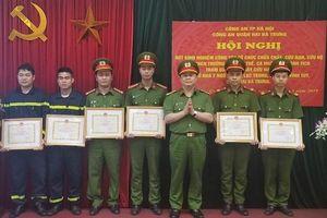 'Tuân thủ đúng hướng dẫn của cơ quan chức năng, người dân thoát hiểm trong vụ cháy'