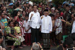 Tổng thống Jokowi tuyên bố giành chiến thắng trong bối cảnh an ninh tăng cường