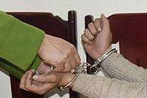 9X dùng dao đâm chém bé gái 11 tuổi vì không chịu cho mượn thuyền