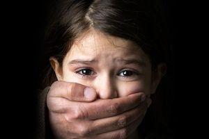 Những dấu hiệu cảnh báo trẻ bị lạm dụng tình dục