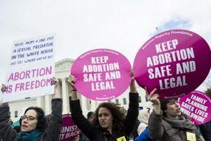 Phong trào phụ nữ song hành cùng quyền được phá thai