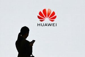 Vì đâu Huawei bị đẩy vào 'nước sôi lửa bỏng'?