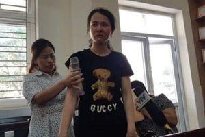 Vụ đánh học sinh: 1 giáo viên bị buộc thôi việc, 1 bị khiển trách