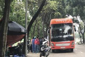Hà Nội: 'Xe dù, bến cóc' tái xuất ở khu đô thị Pháp Vân