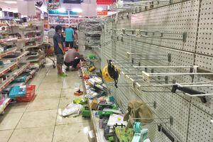 Khách vứt hàng bừa bãi, Auchan tan hoang trước ngày đóng cửa