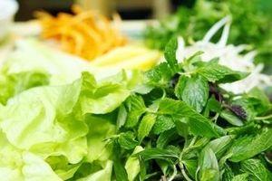 Chuyên gia khuyến cáo những ai ăn rau sống sẽ có hại sức khỏe