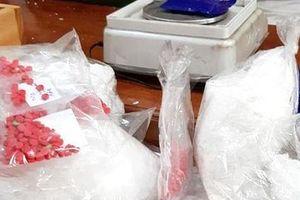 Nghệ An: Bắt nhóm đối tượng vận chuyển ma túy từ miền núi về xuôi tiêu thụ