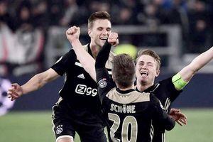 Ajax và thứ cảm xúc nhất thời