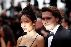 Người yêu của con trai Beckham bị chê già và xấu trên thảm đỏ Cannes 2019