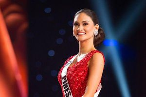 Hoàng Thùy 'lăng xê' tóc búi, fan vote điên đảo: 'Quá chuẩn để in-top Miss Universe 2019'