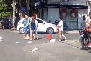 Vụ nữ lao công bị hành hung chỉ vì nhắc vứt rác: Chủ shop quần áo bị phạt 2,5 triệu đồng