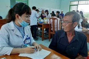 Thầy thuốc trẻ và hành trình tình nguyện