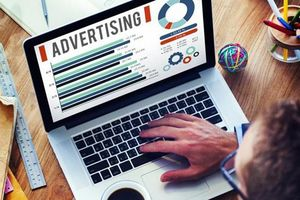 Vì sao doanh thu quảng cáo trên máy tính sụt giảm thê thảm?