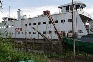 Phà sắt gây tai nạn liên hoàn trên sông Tiền