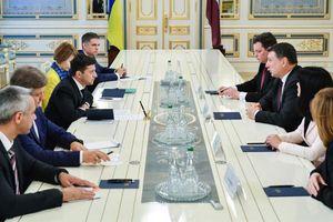Tân Tổng thống Ukraine kêu gọi Mỹ 'mạnh tay' hơn với Nga