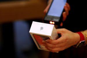Dùng iPhone dỏm lừa đổi bảo hành 1.500 chiếc iPhone thật
