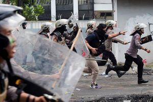 Indonesia khốn khổ vì tin đồn bài Trung Quốc