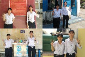 2 nữ sinh Phú Yên biểu cảm '10 ảnh như 1' khiến dân mạng thích thú