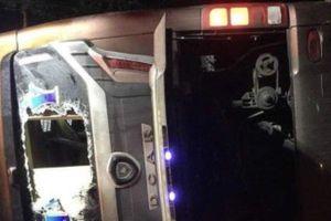 Lật xe khách 19 người thương vong