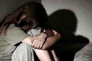 Bản án cho gã đàn ông thú tính hiếp dâm bé gái 6 tuổi rồi cho 4.000 đồng mua kẹo