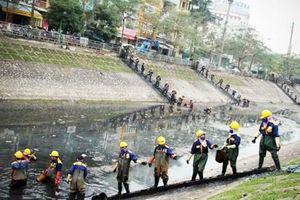 Nghịch lý xử lý nước thải Hà Nội: bao nhiêu năm rồi còn mãi loay hoay...