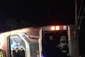 Lật xe giường nằm ở Đồng Nai: 2 người chết, 17 người bị thương