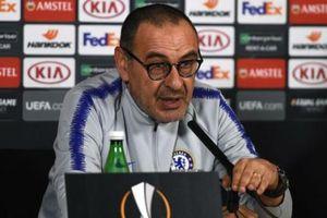 HLV Sarri dọa sẽ ra đi trước thềm chung kết Europa League