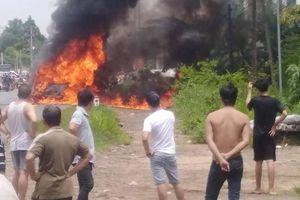 Đồng Nai: Xe ô tô bốc cháy trên quốc lộ 20, 1 người mắc kẹt chết cháy