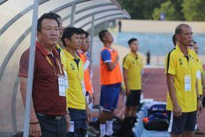 Vòng 11 V-League: Chung kết ngược ở phố Biển, ngôi đầu lung lay
