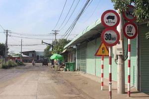 Xe tải ngang nhiên đi vào đường cấm