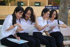 Học sinh thi vào lớp 10 Hà Nội bắt đầu nhận phiếu báo dự thi