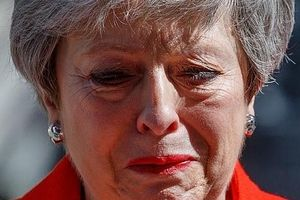 Thủ tướng Anh từ chức, Brexit bỏ ngỏ, cuộc đua vào số 10 Phố Downing bắt đầu