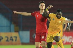 Thầy Park có thể gọi cầu thủ Việt kiều Adriano Schmidt