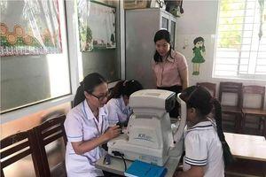 Sở Giáo dục tổ chức khám mắt miễn phí cho học sinh khuyết tật