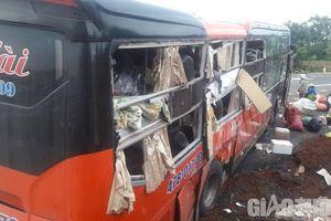 Hai xe khách giường nằm tông nhau ở Chư Sê, hành khách hoảng loạn