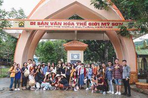 Du lịch học tập với dự án 'Con đường di sản'