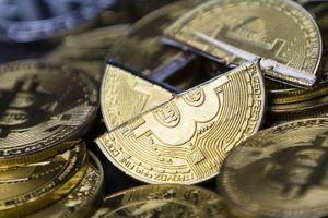 Bitcoin vững vàng trên mốc 8.000 USD