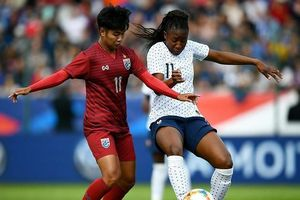 Pháp đánh bại tuyển Thái 3-0