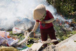 Xuất hiện bãi rác tự phát giữa lòng Đà Nẵng